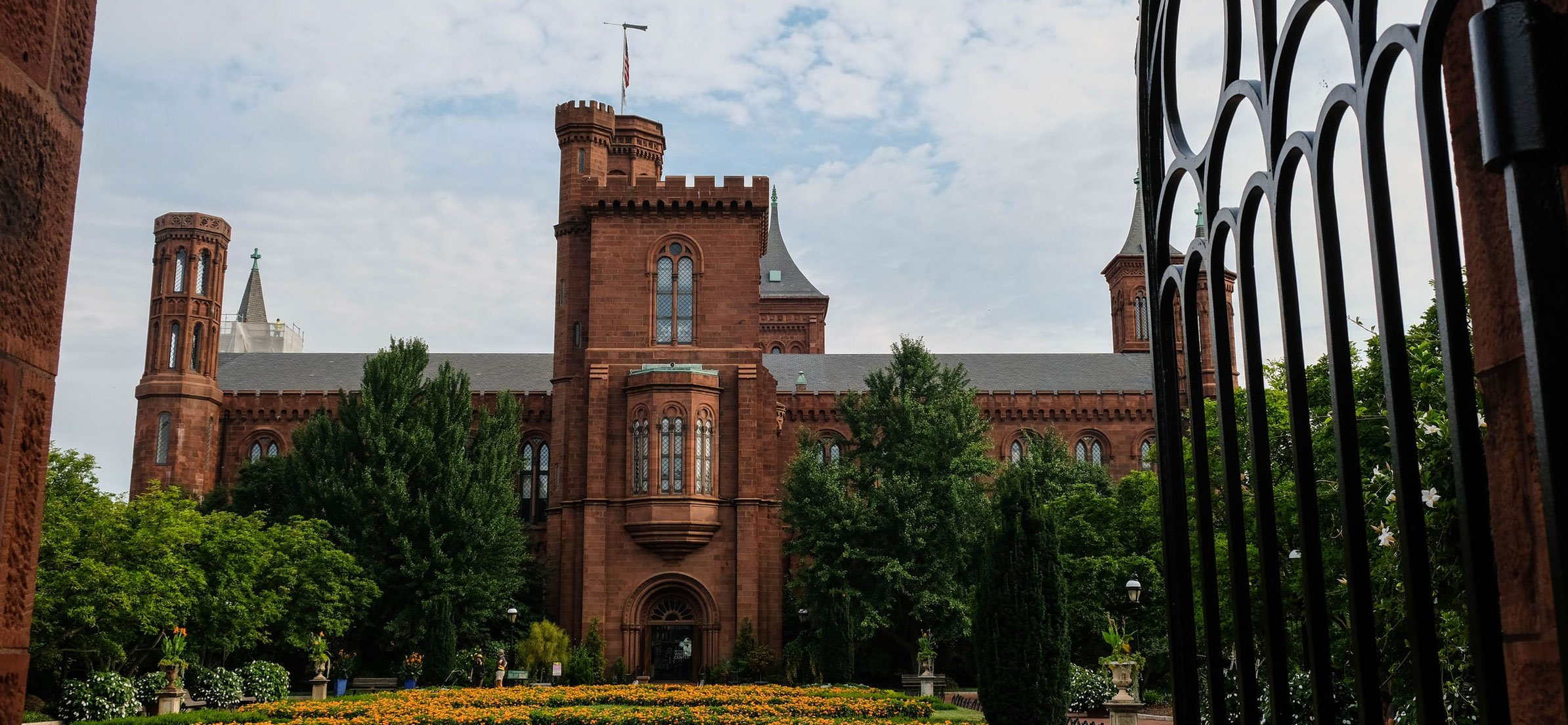 Photo of the Smithsonian Castle and Gardens